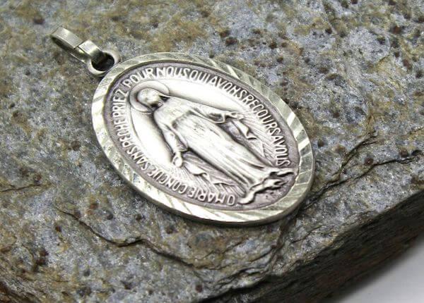 expertise de médaille - numismatique cabon sur bordeaux et libourne
